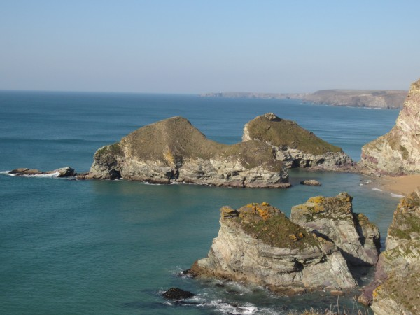 The dramatic coastline on a walk between Watergate Bay and Newquay