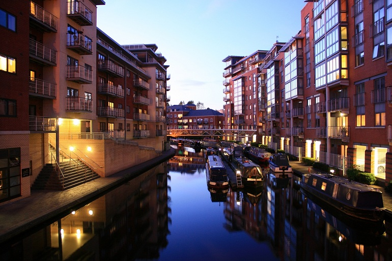 Birmingham's canals at dusk. Photo credit: wikipedia
