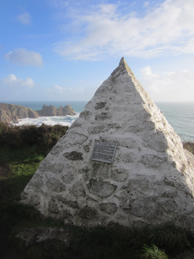 This pyramid can be seen from the beach, and marks the spot where the original Cable Station stood on the cliffs